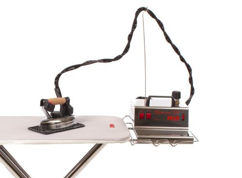 Подставка для парогенератора с утюгом